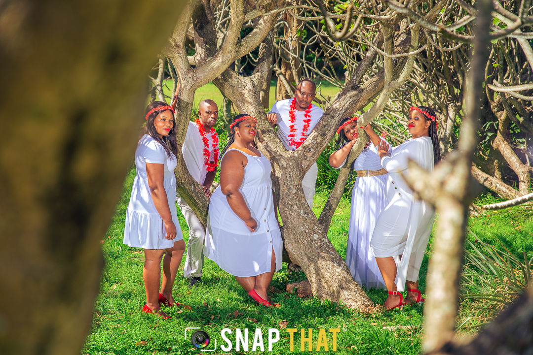 Family Shoot By SnapThat Botanic Gardens
